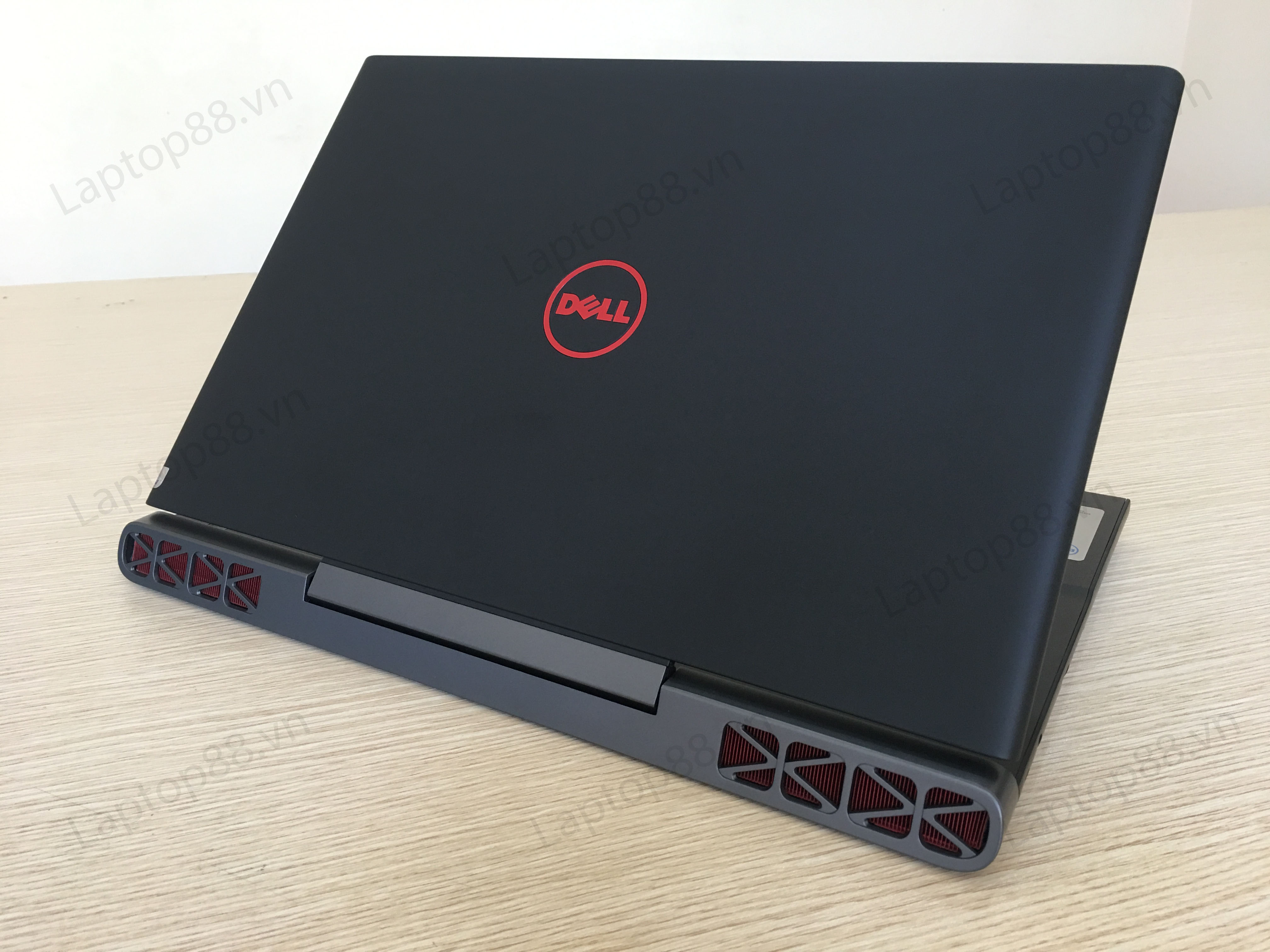 Dell Inspiron 7567 - Laptop của những game khủng!
