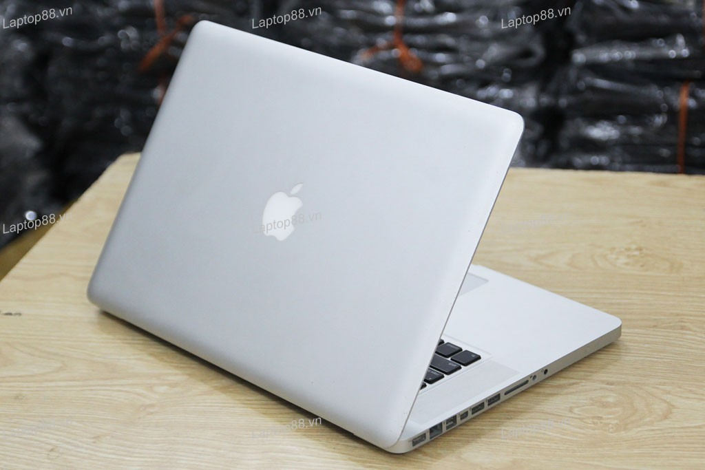 Macbook Pro MD103 cũ (Core i7 3610QM, 8GB, SSD 256GB, NVidia Geforce GT 650M, 15.4 inch)