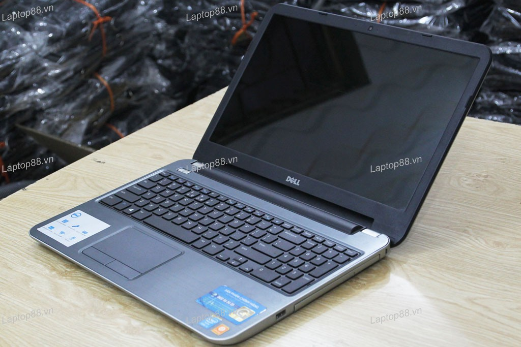 Laptop cũ Dell Inspiron 5537 (Core i5 4200U, 4GB, 250GB, VGA 2GB AMD Radeon HD 8670M, 15.6 inch)4