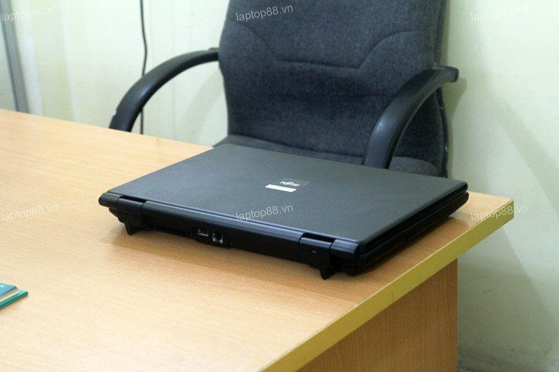 Laptop cũ Fujitsu FMV-A8280 (Core 2 Duo P8700, 2GB, 80GB, Intel GMA X4500MHD, 15.6 inch)1