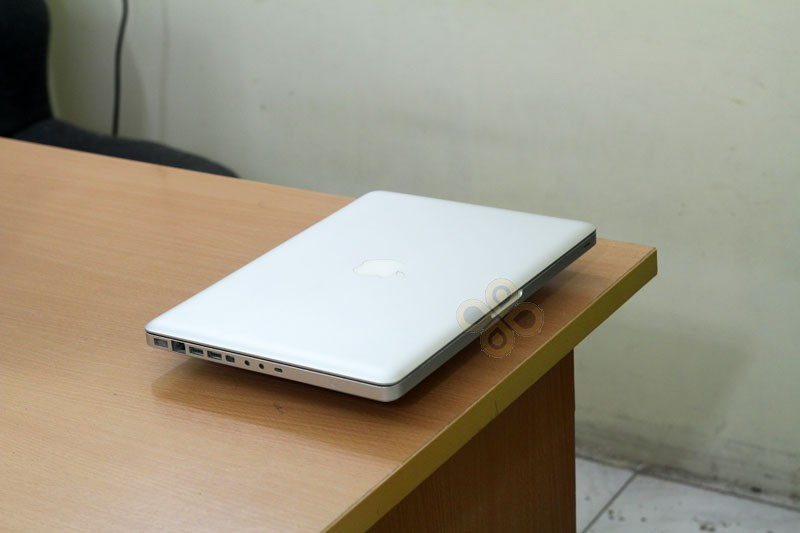 Macbook cũ MB466 (Core 2 Duo P7350, 2GB, 250GB, NVidia Geforce 9400M, 13.3 inch)3