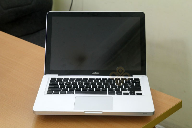 Macbook cũ MB466 (Core 2 Duo P7350, 2GB, 250GB, NVidia Geforce 9400M, 13.3 inch)2
