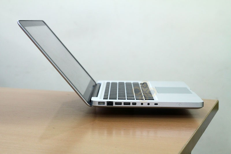 Macbook cũ MB466 (Core 2 Duo P7350, 2GB, 250GB, NVidia Geforce 9400M, 13.3 inch)5