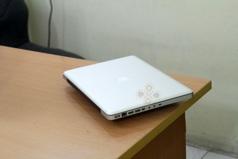 Macbook cũ MB466 (Core 2 Duo P7350, 2GB, 250GB, NVidia Geforce 9400M, 13.3 inch)6