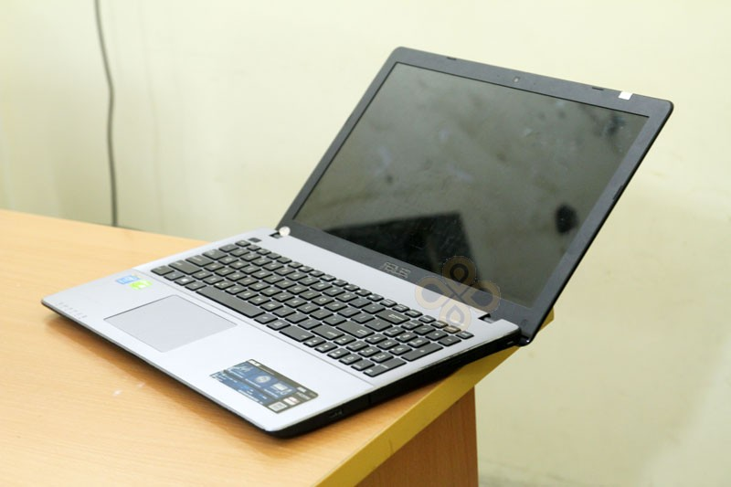 Laptop Asus X550LC (Core i5 4200U, RAM 4GB, HDD 500GB, Nvidia Geforce GT 720M, 15.6 inch)