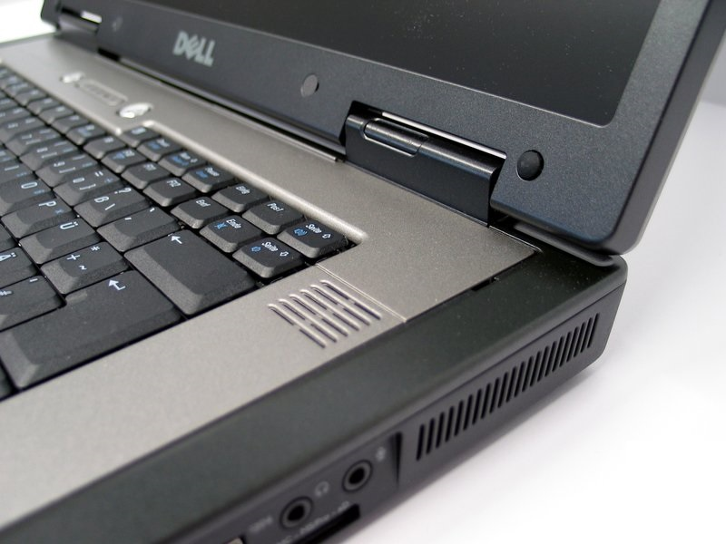 Laptop Dell Precision M90 (Core 2 Duo-T7200, RAM 2GB, HDD 500GB, Nvidia Quadro FX 2500M, 17 inch Full-HD, FreeDOS)