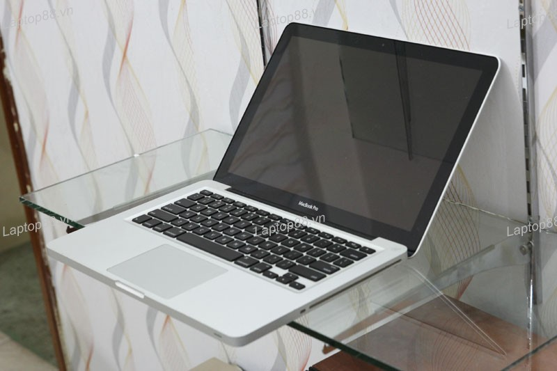 Macbook Pro MB990 CTO (Core 2 Duo P7550, RAM 4GB, HDD 250GB, Nvidia Geforce 9400M, 13.3 inch)