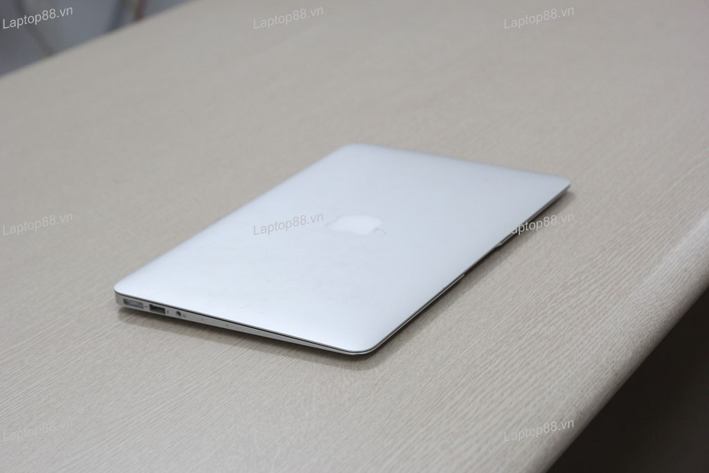 Macbook Air 2014 (Core i5 4260U, RAM 4GB, SSD 128GB, Intel HD Graphics 5000, 11.6 inch)