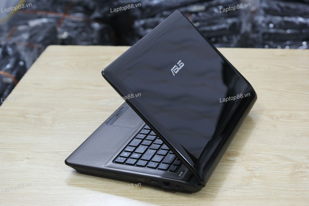 Laptop Asus K42JA (Core i7 620M, RAM 4GB, HDD 500GB, 2GB AMD Radeon HD 5730M, 14 inch)
