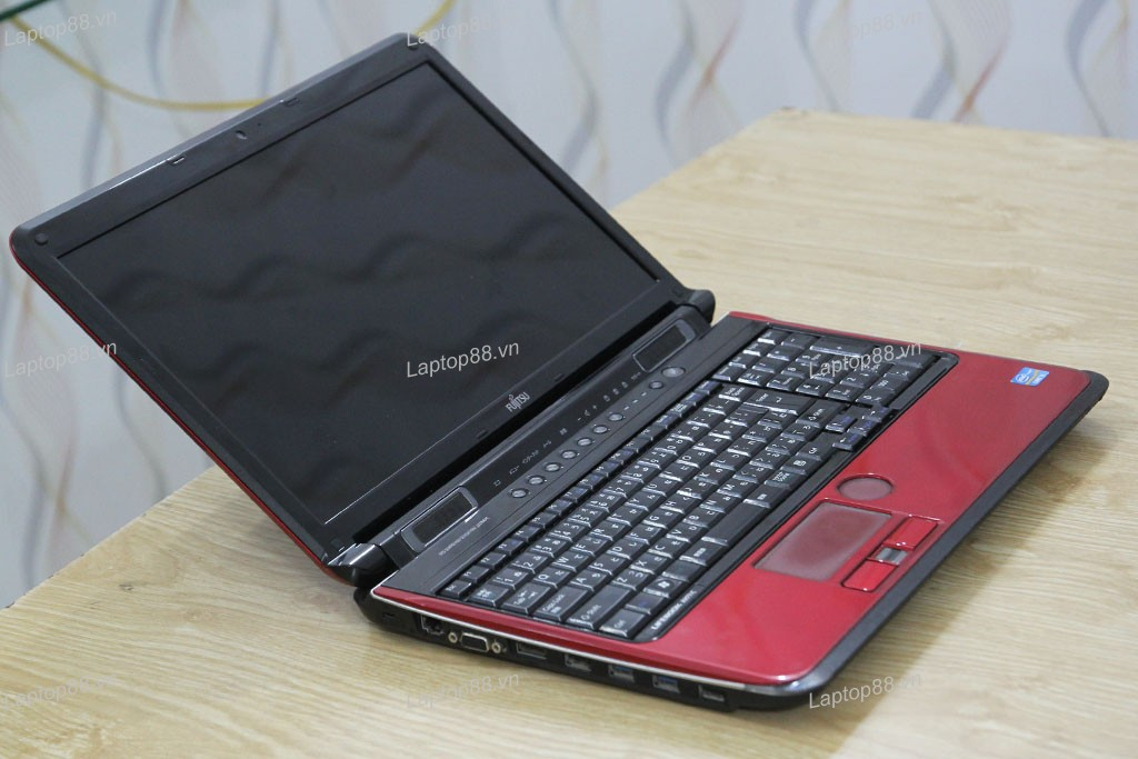 Laptop Fujitsu FMV-AH77 (Core i5 2520M, RAM 4GB, HDD 250GB, Intel HD Graphics 3000, 15.6 inch)