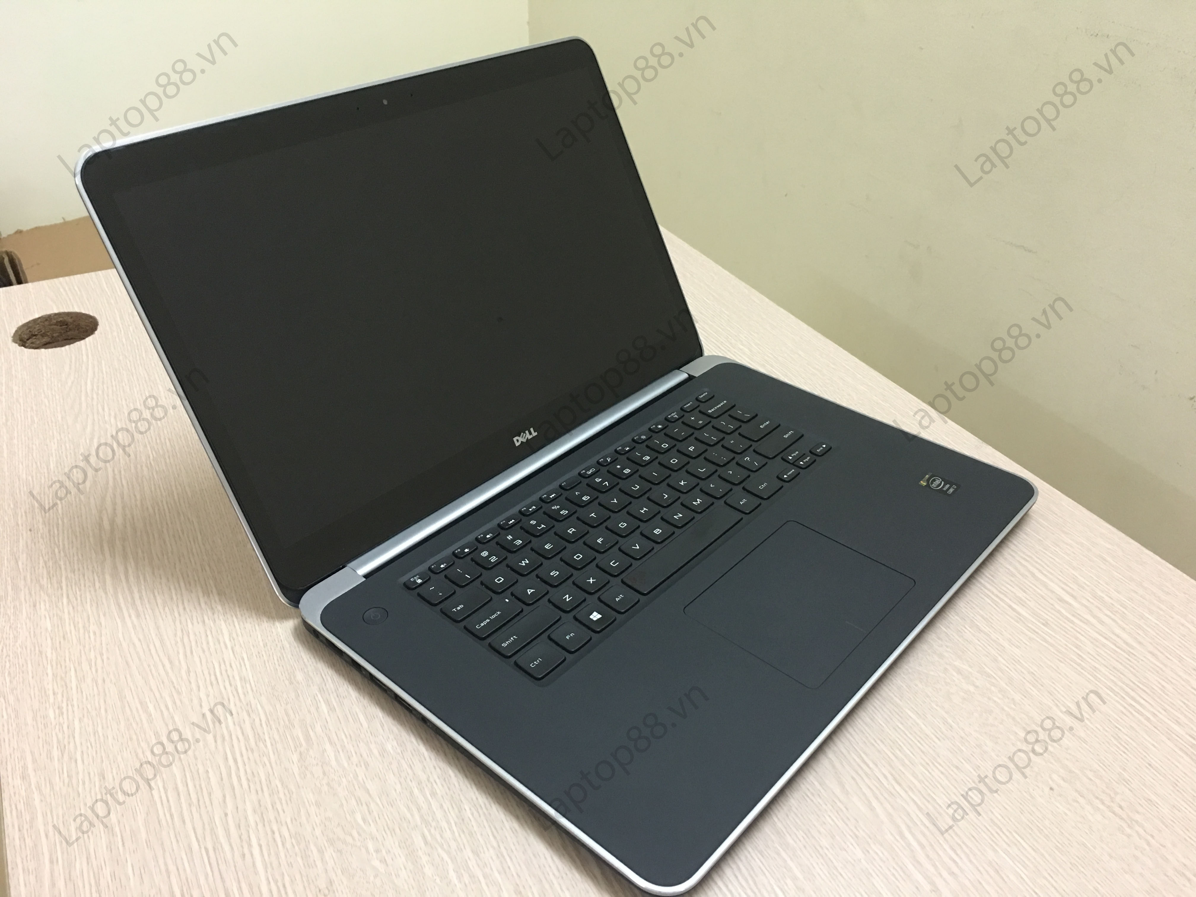 Laptop Dell XPS 9530 -Core i7 4712HQ.8.HDD 1TB.GT 750M. FullHD 15.6 inch Cảm ứng
