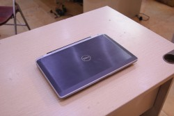Laptop Dell Latitude E6320 (Core i5 2520M, RAM 4GB, HDD 250GB, Intel HD Graphics 3000, 13.3 inch)