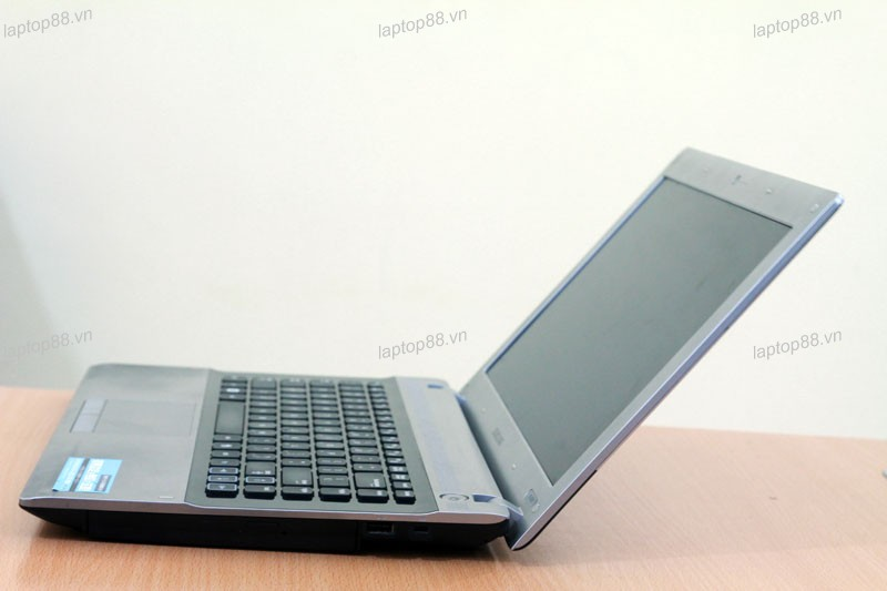 Laptop Samsung RV409 (Core i3-380M, RAM 2GB, HDD 500GB, Intel HD Graphics, 14 inch, FreeDOS)