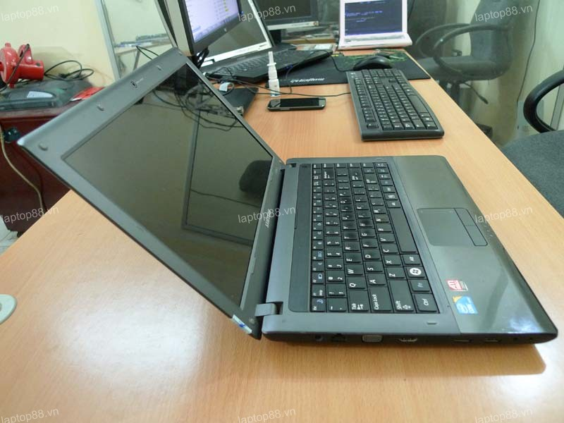 Laptop Samsung R439 (Core i5-460M, RAM 2GB, HDD 320GB, ATI Radeon HD 5470, 14 inch, FreeDOS)0