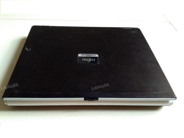 Laptop Fujitsu B8220 (Core Solo-U1400, 1GB, 40GB, Intel GMA950, 12 inch, FreeDOS)