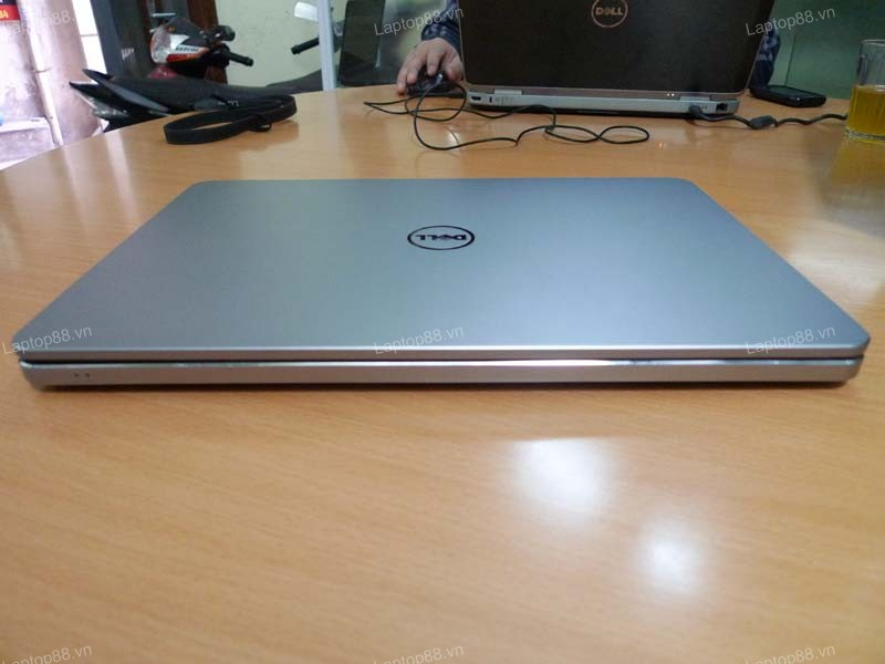 Laptop Dell Inspiron 7537 (Core i5 4200U, 6GB, 750GB, Intel HD Graphics 4400, 15.6 inch cảm ứng Touch Screen)