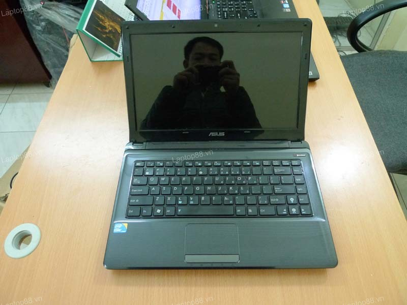 Laptop Asus A42F (Core i3 370M, RAM 2GB, HDD 320GB, Intel HD Graphics, 14 inch)