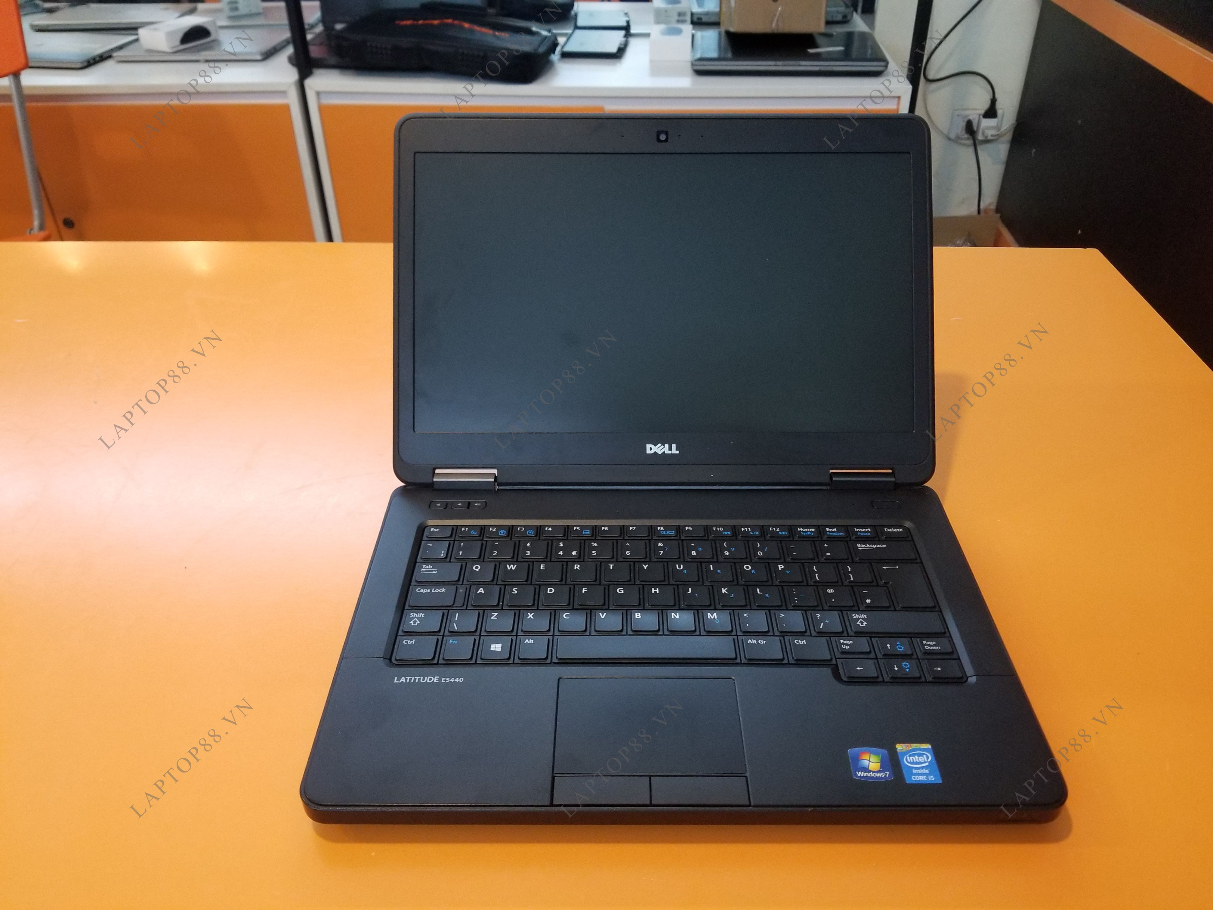Laptop Dell Latitude E5440 (Core i7 4600U, RAM 4GB, HDD 320GB, Intel HD Graphics 4400, 14 inch)