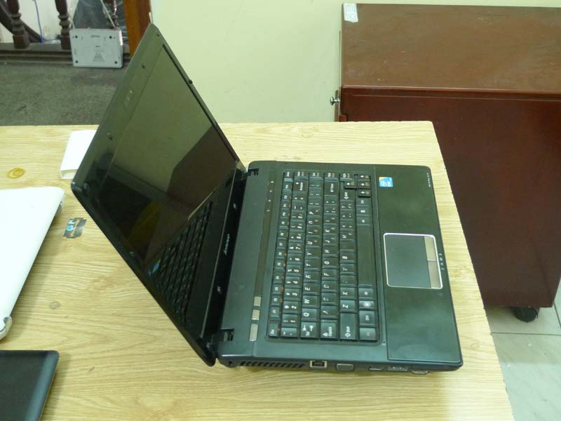 Laptop Lenovo G460 (Core i3 330M, RAM 2GB, HDD 500GB, Intel HD Graphics, 14 inch)