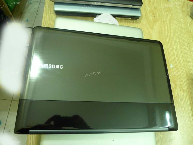 Laptop Samsung RC418 (Core i5 2430M, RAM 2GB, HDD 500GB, Nvidia Gefore GT 520M, 14 inch)