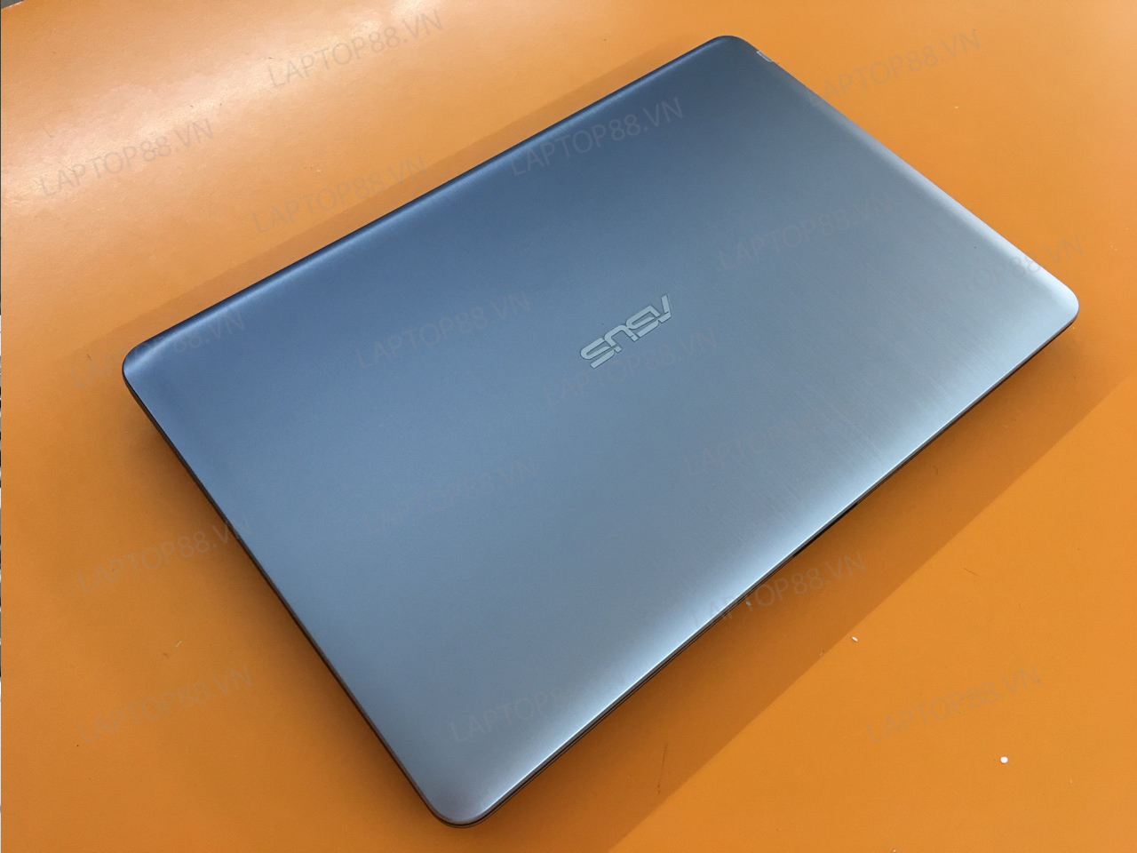 Laptop Asus A540U (Core i5 7200U, RAM 4GB, HDD 500GB, AMD HD 8500M, 15.6 inch HD)