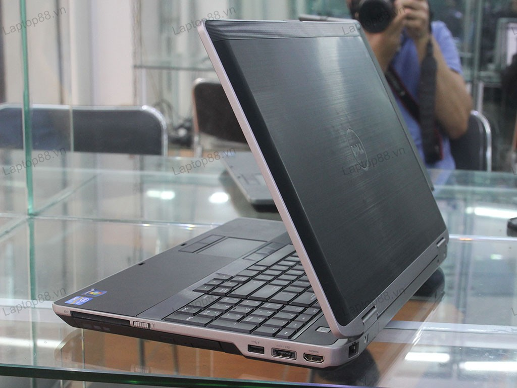 Laptop Dell Latitude E6530 (Core i5 3320M, RAM 4GB, HDD 250GB, HD Graphic 4000, 15.6 inch LED)