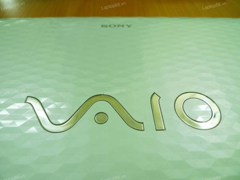 Laptop Sony Vaio VPC-EH1CFX (Core i5 2410M, RAM 4GB, HDD 320GB, Nvidia Geforce 410M, 15.6 inch)