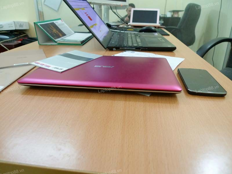 Laptop Asus Vivobook X202E Pink (Celeron 847, RAM 2GB, HDD 500GB, 11.6 inch cảm ứng touch screen)5