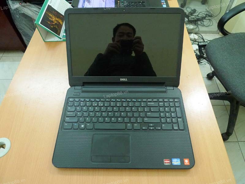 Laptop Dell Inspiron 3521 (Core i7 3537U, RAM 4GB, 1TB, 2GB AMD Radeon HD 8730M, 15.6 inch)