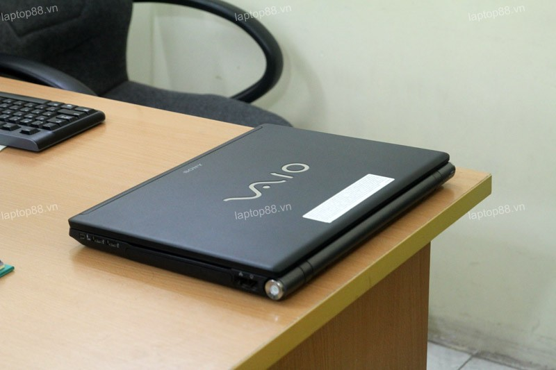 Laptop Sony Vaio VGN-BZ560 (Core 2 Duo P8400, RAM 2GB, 160GB, Intel GMA X4500MHD, 15.4 inch)