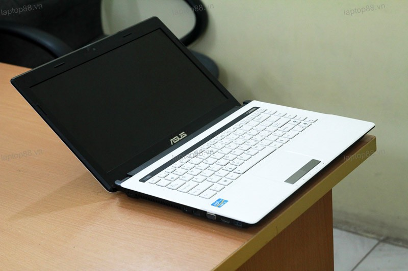 Laptop Asus K43E White (Core i3 2330M, RAM 2GB, HDD 500GB, Intel HD Graphics 3000, 14 inch)