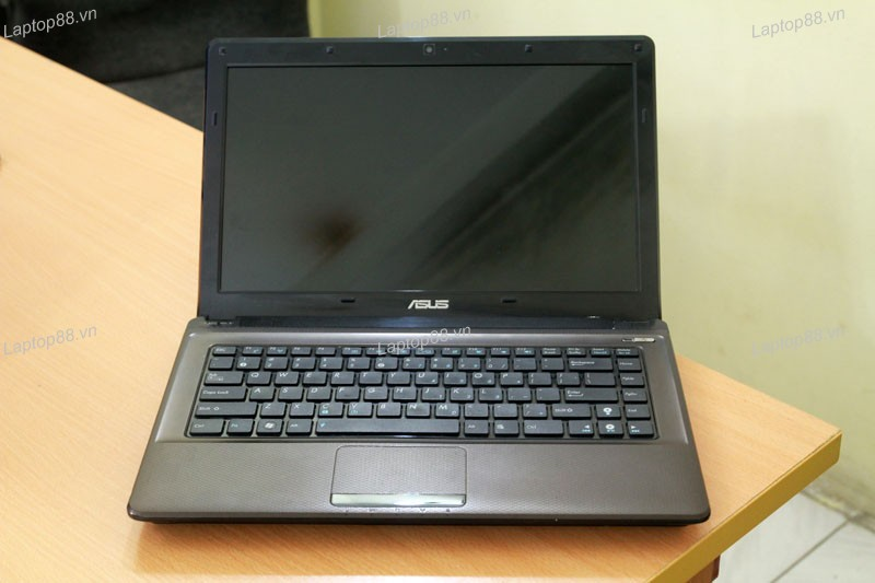 Laptop Asus K42J (Core i7 640M, RAM 2GB, HDD 500GB, AMD Radeon HD 5470, 14 inch)