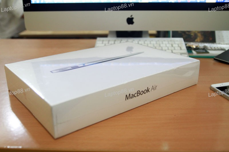 Macbook Air 11 inch 2013 MD711 (Core i5 4250U, RAM 4GB, 128GB SSD, Intel HD Graphics 5000, 11.6 inch)
