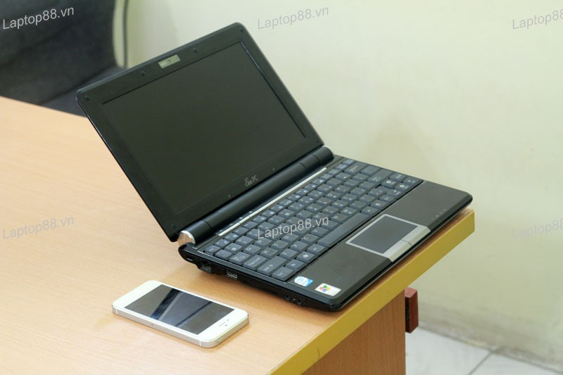 Asus Eee PC 1000H canh trai