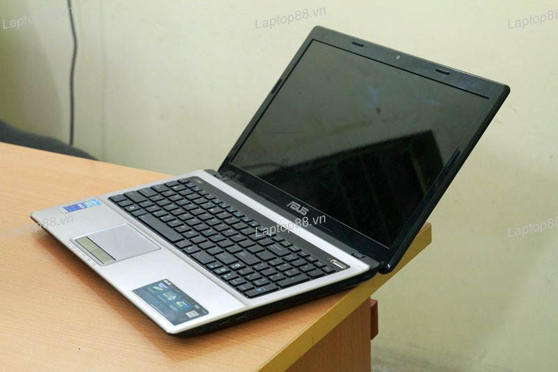 Laptop Asus K53SV 2GB (Core i5 2430M, RAM 4GB, HDD 500GB, Nvidia Geforce GT 540M, 15.6 inch)