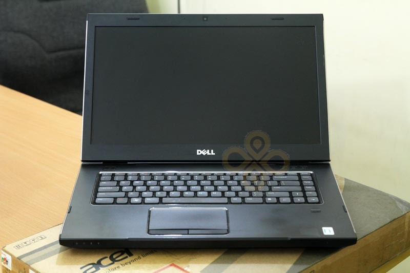 Laptop Dell Vostro 3550 man hinh