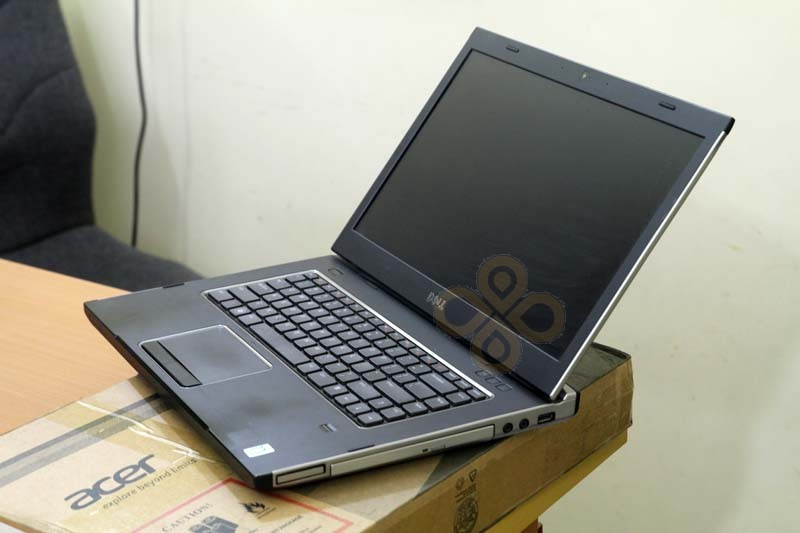 Canh phai Laptop Dell Vostro 3550
