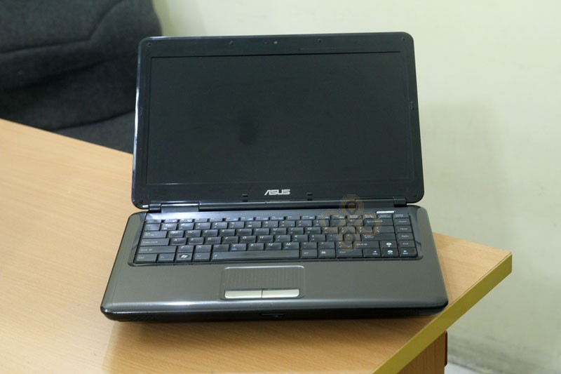 Laptop Asus K40inch (Core 2 Duo T8100, RAM 2GB, HDD 250GB, Nvidia Geforce G102M, 14 inch)5