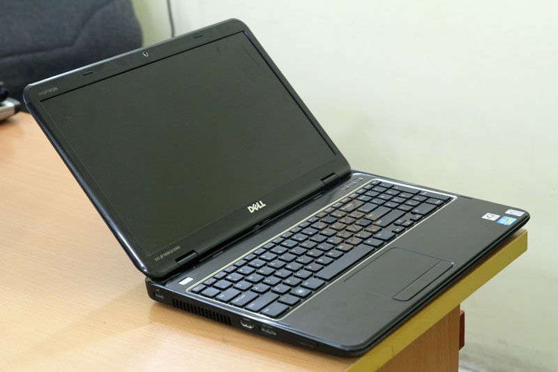Dell N5110 canh trai