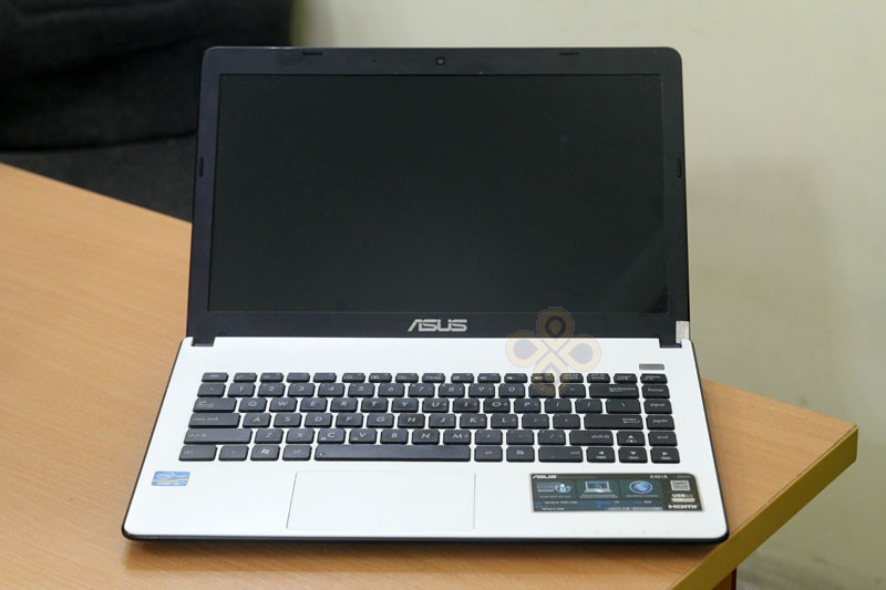 touchpad Asus X401A mau trang